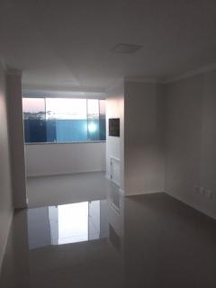 EXCELENTE Apartamento com dois dormitórios sendo uma suíte, sala de estar e jantar, cozinha, área de serviço, sacada aberta no quarto, churrasqueira, box de garagem.