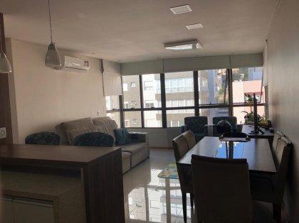 Apartamento Mobiliado, com 02 dormitórios sendo um suite, sala de jantar e estar com sacada integrada, cozinha, área de serviço, 02 banheiros, e duas vagas de garagem.