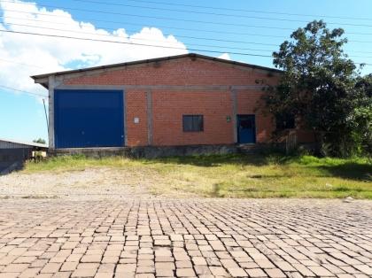 Pavilhão com 600m² localizado em Distrito Industrial. OBS: NÃO POSSUI HABITE-SE