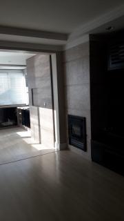 Camargo Imóveis - Vende apartamento semi mobiliado com 03 dormitórios, sendo 01 suíte, Garagem, Área Gourmet, Churrasqueira, Lareira, Sala de Estar, Sala de Jantar, Split, Área de Serviço Separada, Pronto para Morar.