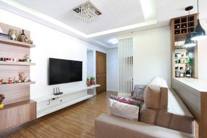 Apartamento semimobiliado com 02 dormitórios, estar/jantar, cozinha com área de serviço, duas sacadas e uma vaga de garagem.