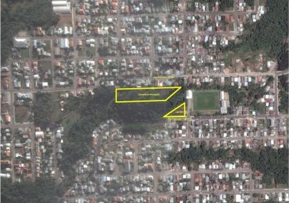 Excelente terreno no Loteamento Menegotto, bairro Santa Marta. Loteamento pronto para financiar e construir.  Medidas do terreno:  Frente: 12,00 Fundos: 25,91 Esquerdo: 56,28 Direito: 57,97  Lote 24