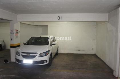 TOMASI Imóveis vende, box de garagem com 32,2973m² de área total no Centro de Bento Gonçalves.