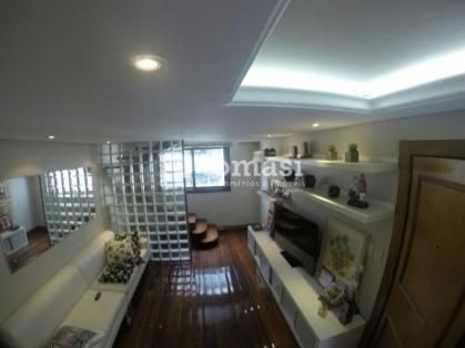 TOMASI Imóveis vende, duplex totalmente mobiliado no Centro de Bento Gonçalves.
