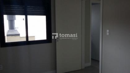 TOMASI Imóveis VENDE Apartamento NOVO de 02 dormitórios, banheiro, sala, cozinha e 01 box na garagem. Localizado no bairro Fenavinho.