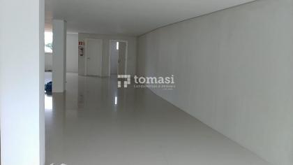 TOMASI IMÓVEIS ALUGA - Excelente sala, NOVA, no centro, com 160m²