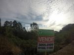 TOMASI Imóveis vende, excelente terreno com linda vista em bairro tranquilo e de fácil acesso.
