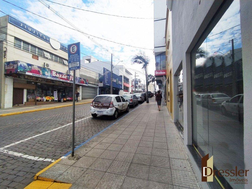amp_1616802_1.jpg