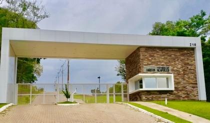 Lote de 360m2, no Jardim Acapulco. Mais informações pelo Whatsapp 9975-6814