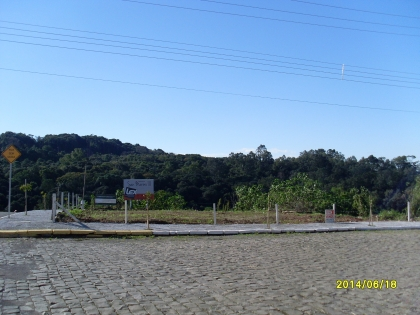 Terreno com 510,20m². Local calmo com vista excelente.