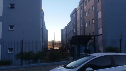 Apartamento Semi mobiliado com 50,10m²  de área privativa sendo composto por 02 dormitórios, sala e cozinha, área de serviço, banheiro e box de garagem coberto para um carro. Estudam-se propostas...Agende já sua Visita.....